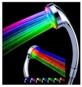 LED Duschkopf Duschbrause 7 Farben Wellnessbrause Handbrause Brausekopf STAR-LINE® Bunte Farbwechsel Regenbogen - Farbwechsel Passt auf jeden standard Duschschlauch und Leuchtet Bunt -
